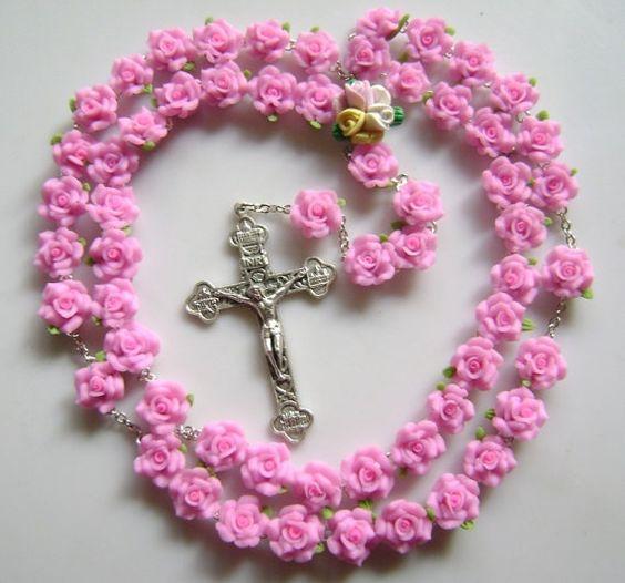 rosario de rosas rosadas
